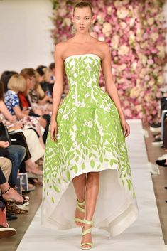Oscar de la Renta Spring 2015 Ready-to-Wear. Karlie Kloss.