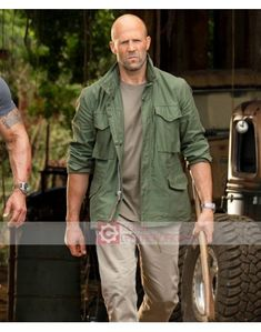 "Deckard Shaw not amused but ready to fight in ""Fast & Furious: Hobbs & Shaw"" Jason Statham, Military Fashion, Mens Fashion, Army Look, Army Shirts, Aesthetic Images, Field Jacket, Hobbs, Denim Jeans"