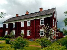 The Yli-Laurosela Farmhouse Museum, South Ostrobothnia province, Finland Red Houses, Wooden Buildings, Charming House, Swedish House, Scandinavian Home, Contemporary Design, Countryside, Farmhouse, Cottage