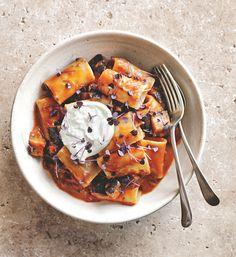 dinner recipe: DONNA HAY'S CREAMY TOMATO, BURRATA & EGGPLANT PASTA http://bellamumma.com/2016/07/dinner-recipe-donna-hays-tomato-burrata-eggplant-pasta.html?utm_campaign=coschedule&utm_source=pinterest&utm_medium=nikki%20yazxhi%20%40bellamumma&utm_content=dinner%20recipe%3A%20DONNA%20HAY%27S%20CREAMY%20TOMATO%2C%20BURRATA%20and%20EGGPLANT%20PASTA @DonnaHay #dinner #recipe #donnahay