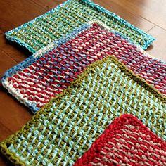 Two Color Tunisian Potholders By Marta Chrzanowska - Free Crochet Pattern - (ravelry) Crochet Potholder Patterns, Tunisian Crochet Stitches, Crochet Dishcloths, Knitting Patterns, Crochet Home, Crochet Crafts, Free Crochet, Knit Crochet, Crochet Kitchen