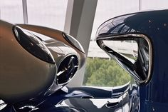 Visiting the Mercedes-Benz Museum: curves