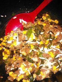 Rajas de chile con queso, carne molida y elote. El primer intento y me quedo delicioso.