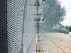 Lochblech-Glas Fassade