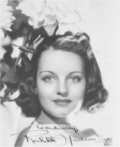 Net Image: Rochelle Hudson: Photo ID: . Picture of Rochelle Hudson - Latest Rochelle Hudson Photo. Rochelle Hudson, Yvonne De Carlo, Veronica Lake, Famous Photos, Celebs, Celebrities, Movie Theater, Classic Beauty, In Hollywood