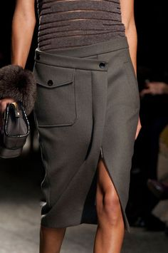 Ports 1961 at Milan Fashion Week Fall 2014 - Details Runway Photos Fashion Details, Timeless Fashion, Assymetrical Skirt, Runway Fashion, Womens Fashion, Milan Fashion, Power Dressing, Work Chic, Skirt Outfits