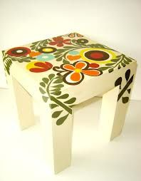 Paint small side table like this Hand Painted Furniture, Funky Furniture, Paint Furniture, Repurposed Furniture, Home Decor Furniture, Furniture Makeover, Painted End Tables, Painted Benches, New Rangoli Designs