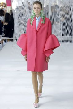 Delpozo - Spring 2017 Ready-to-Wear / amazing statement sleeves! An easy update for your spring wardrobe...