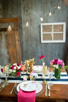 Floral farm wedding inspiration | Photo by  Jennifer Togal Photography | Read more -  http://www.100layercake.com/blog/wp-content/uploads/2015/02/Farm-Wedding-Inspiration