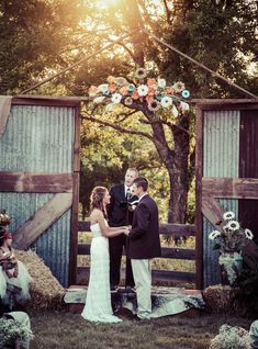 Country Wedding- this is exactly what I want!!!! The colors of the flowers are even the right color!