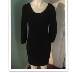 rag & bone Knitted Sweater Dress SzL This is a rag & bone Knitted Sweater Dress. This is in great pre-owned condition SzL. rag & bone Dresses