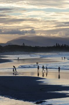 There are a couple of things you should know before visiting the hippy town of Byron Bay, which will ensure you make the most of your time. New Travel, Travel Plan, Travel Advice, Travel Around The World, Around The Worlds, Byron Bay Beach, Australian Beach, Airlie Beach, Coast Australia