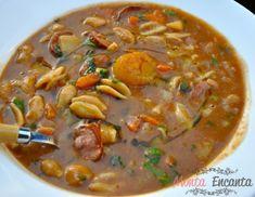 Sopa de Feijão com macarrão e legumes