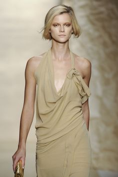 Donna Karan at New York Fashion Week Spring 2011 - Runway Photos