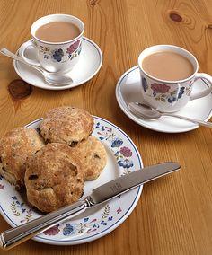 I'd sip tea and eat scones if I was a Zaggora Queen :-)
