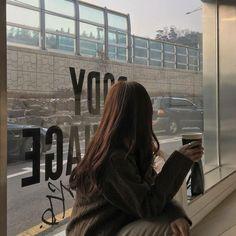 Korean Aesthetic, Aesthetic Photo, Aesthetic Girl, Aesthetic Pictures, Korean Girl Photo, Cute Korean Girl, Girl Photo Poses, Girl Photography Poses, Ullzang Girls