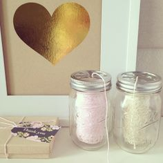 Cute baker& twine storage - mason jars with daisy lids! Diy And Crafts Sewing, Diy Craft Projects, Craft Tutorials, Decor Crafts, Diy Crafts, Do It Yourself Organization, Craft Organization, Organizing, Shawarma