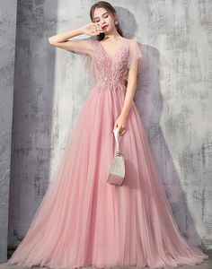 Rochie lunga de ocazie Alicia Straps Prom Dresses, Pink Bridesmaid Dresses, Tulle Prom Dress, Prom Party Dresses, Party Gowns, Modest Dresses, Homecoming Dresses, Dress Party, Grey Evening Dresses
