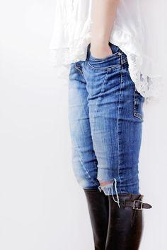 Linda blusa, jeans y botas