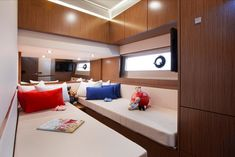 510 Fly - searay Sport Yacht, Gallery, Room, Photos, Furniture, Home Decor, Bedroom, Decoration Home, Room Decor