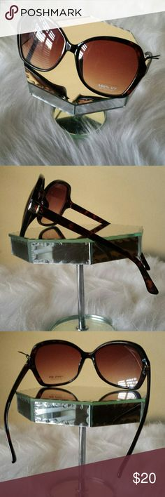 NWOT TORTOISE  FASHION SUNGLASSES NWOT FASHION SUNGLASSES  TORTOISE Accessories Sunglasses