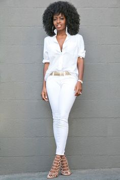Boyfriend Shirt + Ankle Length Jeans women's fashion, white women's outfit, all white Casual Work Outfits, Work Casual, Chic Outfits, Fashion Outfits, Jeans Fashion, Woman Outfits, White Pants Outfit, All White Outfit, Outfit Jeans