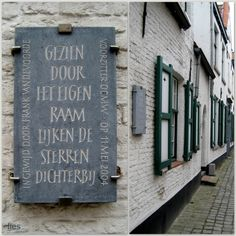 brugge, letters in steen