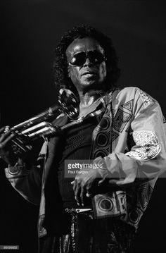 American jazz trumpeter and composer Miles Davis performs live on. Jazz Artists, Jazz Musicians, Jazz Radio, Greys Anatomy Memes, Vintage Black Glamour, Miles Davis, Jazz Festival, Jazz Blues, Music Icon