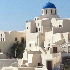 Santorini, Greece Santorini Greece, Mykonos, Arte Sharpie, Places To Travel, Places To Go, Sun Soaked, Greek Isles, Building Art, Environment Concept Art