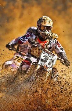 "MOTOCROSS - Because "".any day riding beats any day at work"" I wanna learn :) Motos Trial, Ski Doo, Enduro Motocross, Motocross Racing, Cool Dirt Bikes, Freestyle Motocross, Fox Racing, Dirtbikes, Go Kart"
