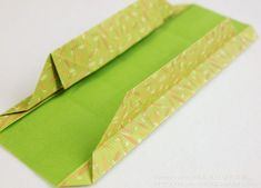 Origami folded box - instructions in Korean but great pictures Origami Gift Box, Origami Folding, Paper Crafts, Crafty, Gifts, Handmade, Paper Bags, Ramadan, Korean