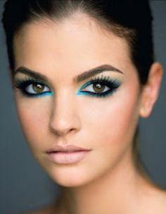 blue eyes nude lips