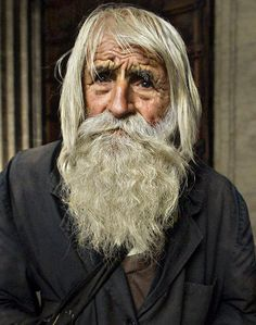 Dobri Dobrev, a Bulgarian priest disguised as a beggar, traveled by foot every day to stand in front of the Cathedral in Sofia to beg for charitable causes. He passed away last year, age Old Man Portrait, History Tattoos, Beard Look, Old Faces, Biblical Art, Homeless Man, Best Portraits, Mountain Man, Old Men