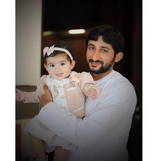 Nouf JDM con su padre Juma DJM, 21/11/2014. Vía: mrs_almaktoum