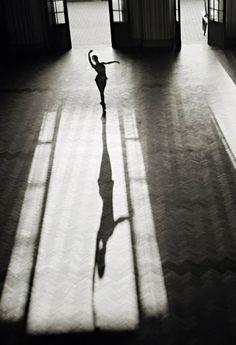 Bailarina do Balé Juventude da UNE, © foto de Thomaz Farkas, 1947