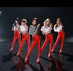 FIESTAR return with a sexier image for 'One More' MV  #FIESTAR #ONEMORE #sexier #SEXYGIRL #GIRL #GIRLGROUP #RED