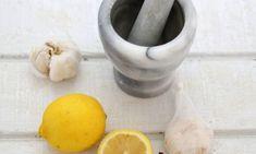 Πιείτε το πριν πάτε για ύπνο και θα «αφαιρέσετε» όσα έχετε φάει κατα τη διάρκεια της ημέρας - Αφύπνιση Συνείδησης Troubles Digestifs, Le Trouble, Nutrition, Mortar And Pestle, Healthy Recipes, Aglio, Weights, Lemon, Remedies
