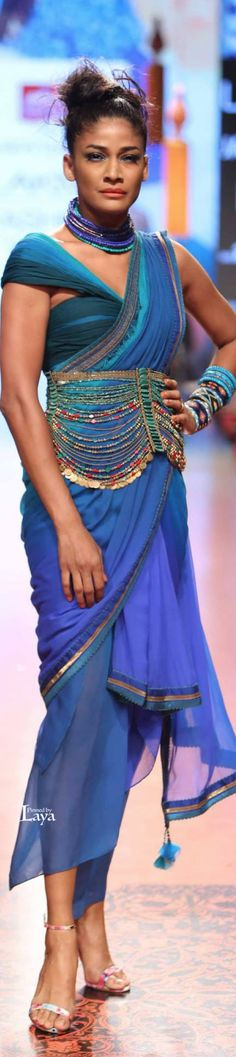 ♔TARUN TAHILIANI #LFW S/R 2015♔LAYA♔ India Fashion Week, Pakistan Fashion, Lakme Fashion Week, Ethnic Fashion, Modern Fashion, Indian Fashion, African Fashion, Indian Dresses, Indian Outfits