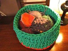 lovely people :) Hecho con amor y con nuestros materiales, enviada por Con agujas y tijeras  #handmade #crochetXL #sacocharte #trapillo