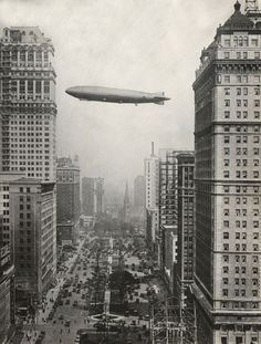 ZR-3 USS Los Angeles over Detroit, 1926