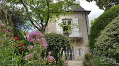 Maison à vendre - 7 pièces - 198 m2 - DOLE - 39 - FRANCHE-COMTE Mansions, House Styles, Home Decor, Mansion Houses, Homemade Home Decor, Decoration Home, Room Decor, Villas, Fancy Houses