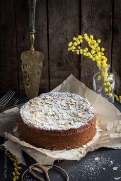 Almond saffron cake with ricotta