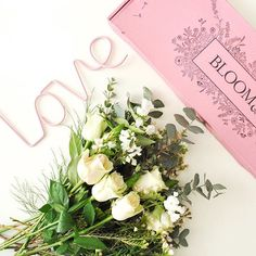 Friday blooms courte