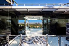 Luxus-Walk-in Closet – Luxury Dale Bel Air Road, Bel Air Mansion, Luxury Boat, Los Angeles Skyline, West Los Angeles, Mega Mansions, New Construction, Installation Art, Architecture
