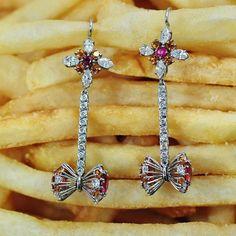 Orange Sapphire and Rhodolite earring snacking because #NationalJunkFoodDay 🍟 earrings handmade by Ricardo Basta Fine Jewelry - statement earrings