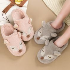 Women Cute Slip-on Knit Weave Plush Slippers With Poms Bedroom House Shoes Warm Acorn Kids, Indian Shoes, Apollo Box, Bedroom Slippers, Cute Slippers, Unique Gadgets, Ladies Slips, More Cute, Cute Woman