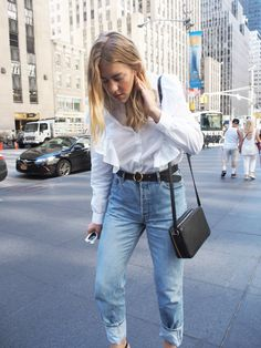 NYFW New York Fashion Week Day Three Recap OOTD H&M Ruffled Top Levis Acne…