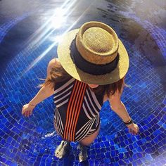 Bom dia #garotasmaritima!!☀️☀️ @paulinhasampaio veste maiô Pipa Listras verão 2016!! #ciamaritimaverao16 #repost #followthesun