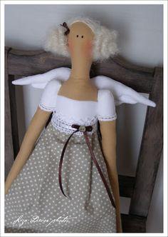 LIZA DECOR - deky, přikrývky, polštáře, andělky, bytové doplňky 3 Bears, Plushies, Needlework, Barbie, Flower Girl Dresses, Quilts, Wool, Sewing, Wedding Dresses