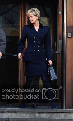 🔱Date /info updated: November Princess Diana in a black military style suit. Princess Diana in a black double-breasted metallic buttons, military style suit, black Dior bag. Princess Diana Fashion, Princess Diana Pictures, Princess Diana Family, Royal Princess, Princess Of Wales, Diana Son, Lady Diana Spencer, Princesa Diana, Royal Fashion
